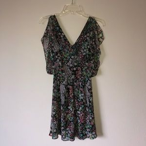 V neck flowy floral dress